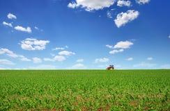 Traktor, der 3 kultiviert Lizenzfreies Stockfoto