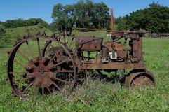 Traktor des alten Hasen Stockfotos