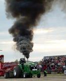 traktor för 7 pull Fotografering för Bildbyråer