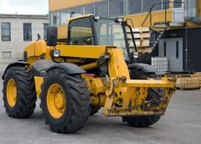 Traktor, gelbe Farbe Stockfotos