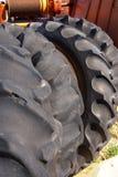 Traktor-Gummireifen lizenzfreies stockbild