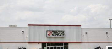 Traktor Leverera Företag Royaltyfri Fotografi