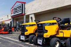 Traktor Leverera F?retag detaljhandell?ge Traktortillförsel listas på NASDAQ under TSCO III royaltyfria bilder