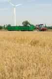 Traktor med släp Arkivbilder