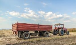 Traktor med släpanseende Royaltyfri Foto