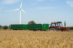 Traktor mit Schlussteilen Lizenzfreie Stockfotografie