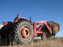 Traktor mit vorgelagerter Ladevorrichtung Lizenzfreies Stockbild