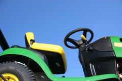 Traktor-Rasenmähmaschine Stockbilder