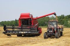 Traktor und Mähdrescher Stockbilder