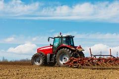 Traktor und Pflug Lizenzfreies Stockbild