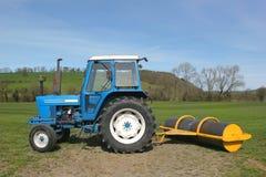 Traktor und Rolle Lizenzfreie Stockfotografie