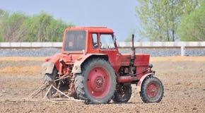 traktorarbete Royaltyfri Foto
