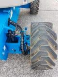 Traktoraufzug für schweren Industriebaustandort Stockbild