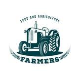 Traktorbauernhofemblem Lizenzfreie Stockfotos