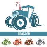 Traktorbauernhofzusammenfassungs-Ikonenlogo auf weißem Hintergrund Lizenzfreie Stockfotos