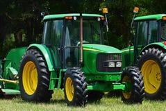 Traktoren für das Mähen. Lizenzfreie Stockfotos