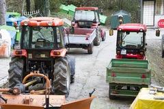 Traktoren und andere Ausrüstung Stockfotos