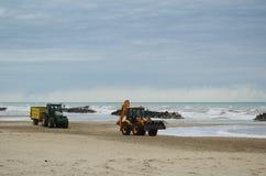 Traktorer på stranden Royaltyfria Foton