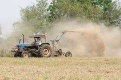 Traktorgräsklippningsmaskin Royaltyfri Fotografi