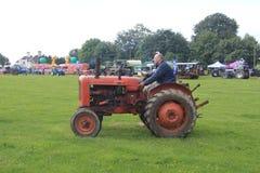 Traktorlegitimationen ståtar Royaltyfri Foto