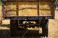 Traktorspårvagn arkivfoto