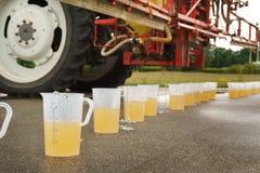 Traktorspraydüsenanpassung Stockfotografie