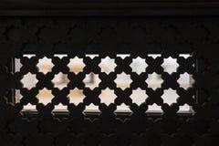 Traliewerk op het venster in stijl аrabic Stock Fotografie