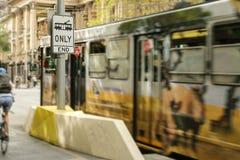Tram знак только, конца около угла Элизабета и улицы Bourke в Мельбурне CBD стоковая фотография