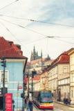 Tram 12, с Hrad замок в предпосылке, Праге, Czec Стоковая Фотография RF