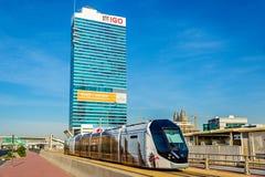 Tram Alstom-CITADIS 402 in Dubai lizenzfreies stockbild