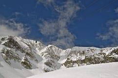 Tram au dessus de montagne Photographie stock libre de droits