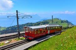 Tram auf dem Berg stockbild