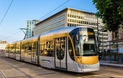 Tram auf Platz Poelart in Brüssel Lizenzfreie Stockfotos