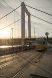 Tram a Budapest al tramonto Fotografie Stock Libere da Diritti