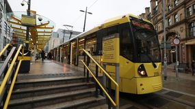 Tram in città Immagini Stock Libere da Diritti