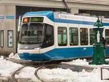 Tram dans la ville de Zurich, Suisse photo stock