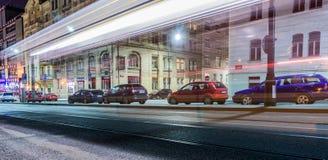 Tram de disparition sur la rue photographie stock libre de droits