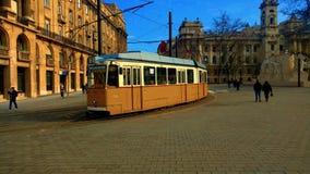 Tram de jaune de Budapest Photographie stock libre de droits