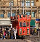 Tram de Marlitram sur la place de Bellevue à Zurich Photographie stock