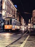 Tram de Milan par la nuit 3 images libres de droits