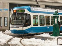 Tram in de stad van Zürich, Zwitserland stock foto