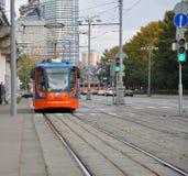 Tram in de straat Moskou, Rusland Stock Afbeelding