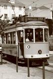 Tram in de straat van Lissabon Stock Foto