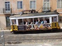 Tram de YellowLisbon Photographie stock libre de droits