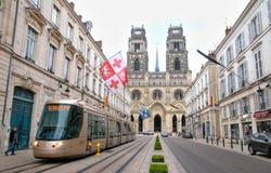 Tram dell'Alstom sulla via dell'arco di Jeanne d a Orleans Fotografia Stock Libera da Diritti