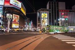 Tram della città all'intersezione di Susukino Immagine Stock