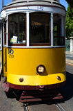 Tram 542 di Lisbona Immagini Stock