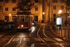 Tram di notte Immagini Stock