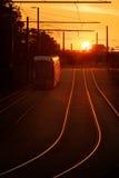 Tram di Nottingham al tramonto fotografia stock