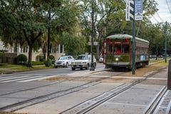 Tram di St Charles in NOLA immagine stock
